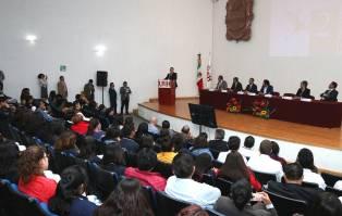 ICSa, líder en apoyo económico a estudiantes5