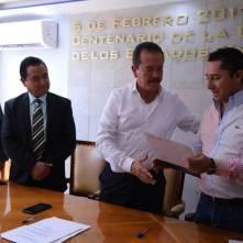 Mineral de la Reforma recibe escrituras de cancha deportiva de El Chacón 2