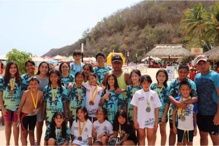 Obtiene Hidalgo 12 preseas en Maratón de Aguas Abiertas en Huatulco