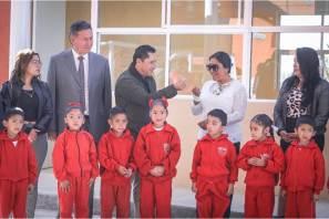 Raúl Camacho entrega aula en escuela primaria de San Guillermo La Reforma4