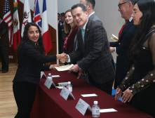Reciben alumnos UAEH certificado de inglés, alemán y francés3