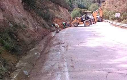 SOPOT trabaja en carretera estatal Nequeteje 3
