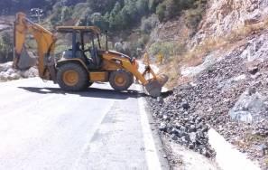SOPOT trabaja en carretera estatal Nequeteje 4