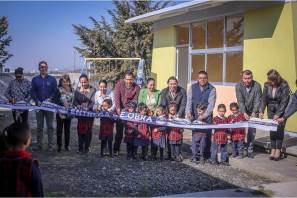 """Alcalde Raúl Camacho entrega aula en Jardín de Niños """"Octavio Paz"""" de Campestre Villas del Álamo"""