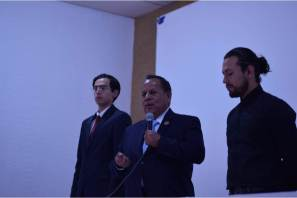 Beca Raúl Camacho a prestadores de servicio social del IMJ