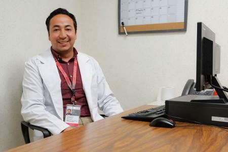Egresado de UAEH promueve donación de órganos en el ISSSTE