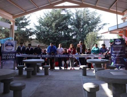 Entrega gobierno municipal aula y techumbre en escuela primaria 4