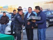 Entrega Raúl Camacho Baños, uniformes a trabajadores de Mineral de la Reforma 3