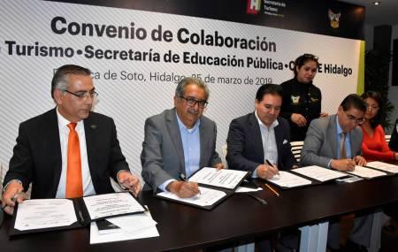 Firman convenio de colaboración la SEPH, SECTURH y CECyTEH2