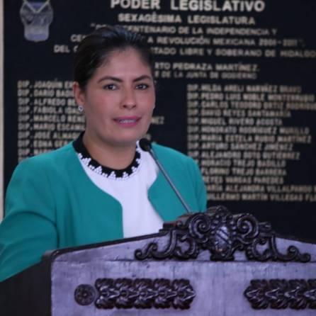 Fomenta Noemí Zitle igualdad social con puesta en escena, en instalaciones del Congreso