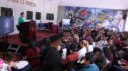 Fomenta Noemí Zitle igualdad social con puesta en escena, en instalaciones del Congreso2