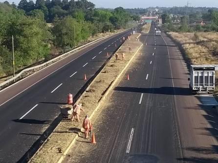 Realiza SOPOT trabajos de limpieza en carretera federal Pachuca4