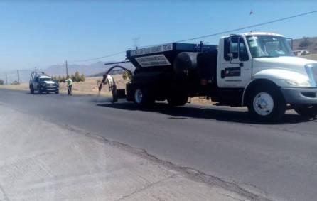 SOPOT realiza trabajos de bacheo en carretera estatal Cuautepec San Lorenzo1