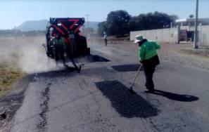 SOPOT realiza trabajos de bacheo en carretera estatal Cuautepec San Lorenzo4