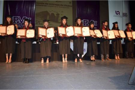 UPMH entregó 168 títulos profesionales a egresados