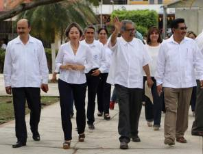 Visita secretario Atilano Rodríguez escuelas de la Huasteca3