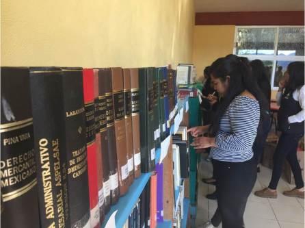 Alumnas de la UTSH realizaron donación de biblioteca comunitaria