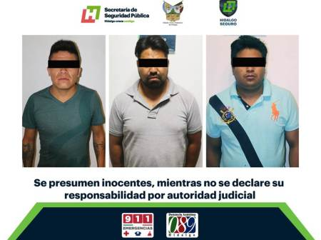 Aseguran a tres individuos armados en taxi de la CDMX.jpg