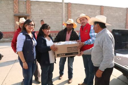 Ayuntamiento de Almoloya dona medicinas en comunidades