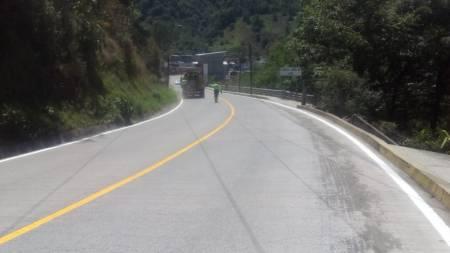 Colocan señalamientos en la carretera Estatal Molango - Laguna de Atezca