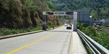 Colocan señalamientos en la carretera Estatal Molango - Laguna de Atezca2.jpg