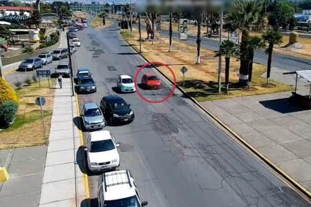 Con análisis en videovigilancia, aseguran en Pachuca auto presuntamente relacionado con robos
