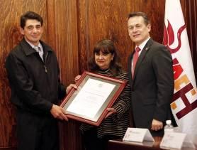 Con develación de placa, UAEH rinde homenaje a Isaac Piña Pérez4