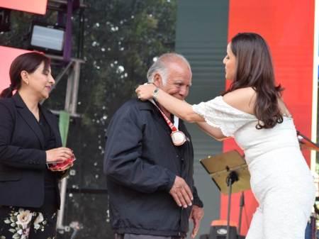 """Entregan medallas al mérito Santiago Tulantepec """"Orgullo Y Tradición""""2"""
