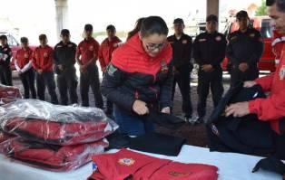 Entregan uniformes a Seguridad Pública y Protección Civil de Santiago Tulantepec4