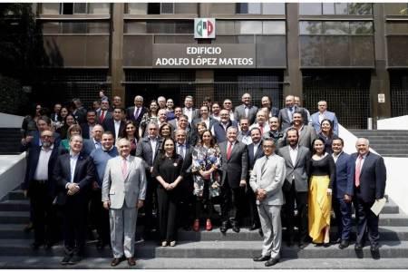 Erika Rodríguez asiste a reunión nacional de dirigentes y delegados del PRI