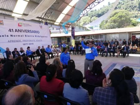 Festeja Escuela Normal de la Sierra Hidalguense su 41° aniversario