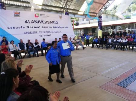 Festeja Escuela Normal de la Sierra Hidalguense su 41° aniversario2