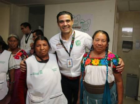 IMSS entrega apoyos a parteras rurales del Hospital de Metepec 1