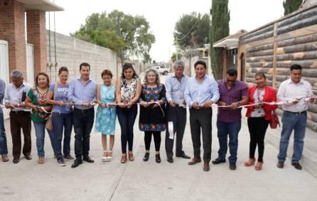 Inauguran pavimentación hidráulica en calle Prolongación Guadalupe en Tepojaco1