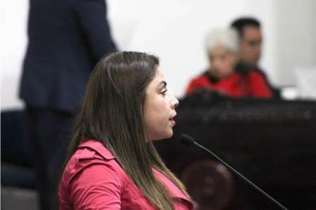 Jajaira Aceves presenta iniciativa que pretende garantizar que trabajadores sean defendidos de forma profesional