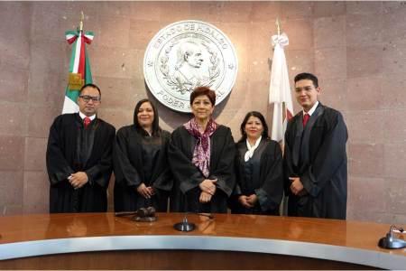 Magistrada presidenta del TSJEH tomó la protesta a cuatro nuevos jueces