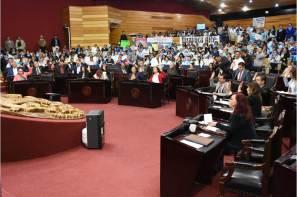 Modifica LXIV Legislatura leyes a favor de migrantes en la entidad y combate a la pobreza