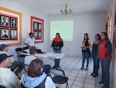 Realizan plática informativa para microempresarios de Santiago Tulantepec2