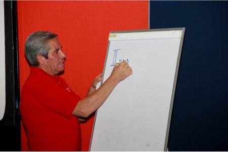 SEPH capacita a figuras educativas con miras a las olimpiadas nacionales de matemáticas