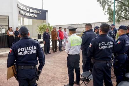 Alcalde de Tizayuca entrega estímulos a policías municipales4