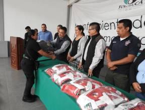 Alcalde de Tolcayuca entrega uniformes a efectivos de Seguridad Pública y Protección Civil3