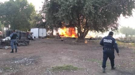 Atienden servicios de emergencias incendio en Mineral de la Reforma4