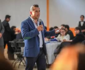 Celebra Raúl Camacho a maestros de nivel Medio Superior1