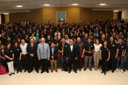 Celebran en UAEH 50 años de formar contadores2