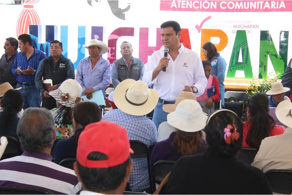 Daniel Jiménez realizó gira de trabajo en la región Huichapan.jpg