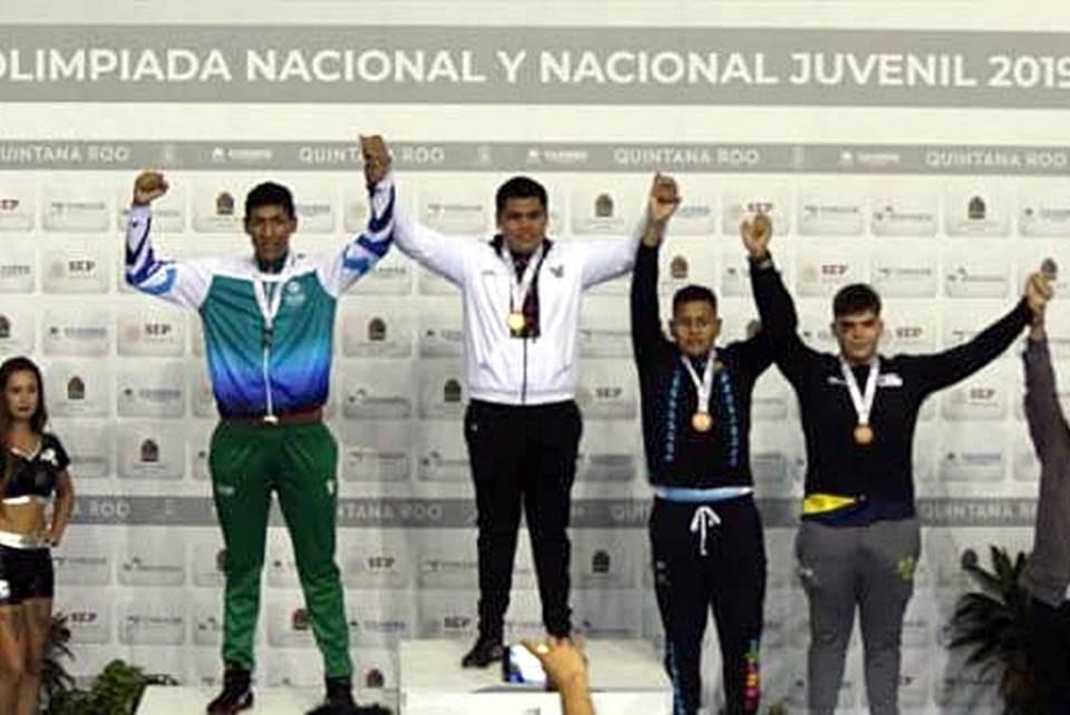 El pugilista Javier Alejandro conquista el oro en nacional juvenil2.jpg