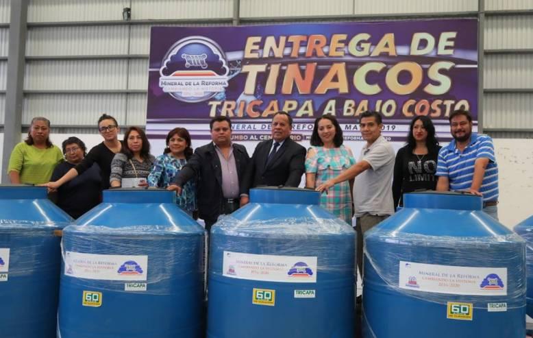 Entrega Mineral de la Reforma, 118 tinacos a bajo costo 3