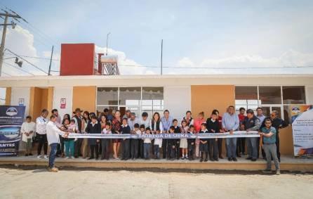 Entrega Raúl Camacho aulas, sanitarios y domitorio para primaria de CONAFE en Amaque 4