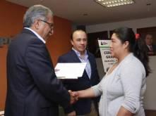 Entrega SEPH certificados y constancias de Alfabetización1
