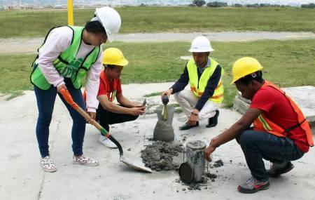 Estudiantes de ingeniería civil de ITESA2